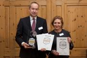 Andreas Schulz, Vorstandsvorsitzender der Mittelbrandenburgische Sparkasse und Ramona Roggan, Vorstandsvorsitzende der Raiffeisen-Volksbank Oder-Spree eG
