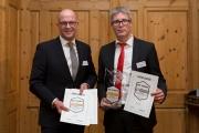 Dominikus Penners, Vorstandsmitglied und Mark Zimmermann, Bereichsdirektor Immobilien & Versicherungen der Sparkasse Hildesheim Goslar Peine