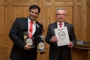Dr. Ravinder Stephan Singh Sud, Bereichsleiter Vorstandsstab der Sparkasse Vogtland und Rudolf Fischer, stellv. Vorstandsmitglied der Sparkasse Zwickau