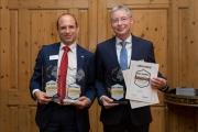 Tino Richter, Vorstandsvorsitzender der Wartburg-Sparkasse und Manfred Roth, Vorstandsvorsitzender der VR Bank Weimar eG